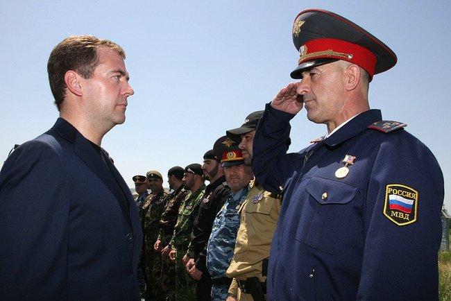 Полицейский с Медведевым