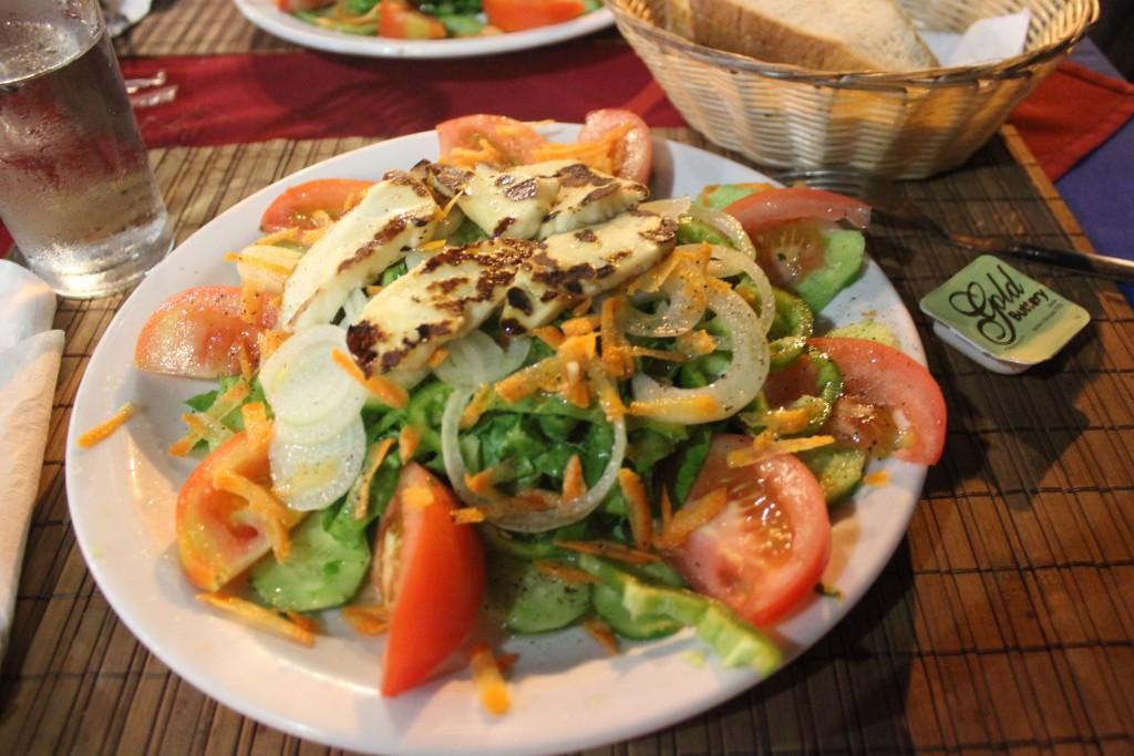 Деревенский салат на Кипре